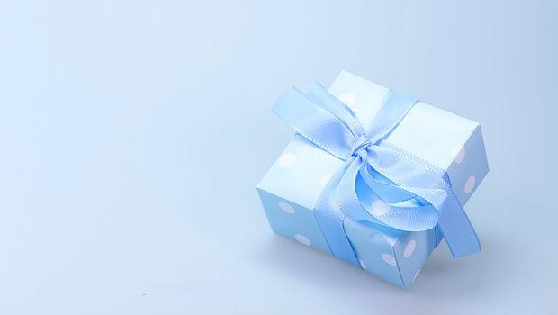 ¿Es bueno hacer regalos a nuestros hijos?