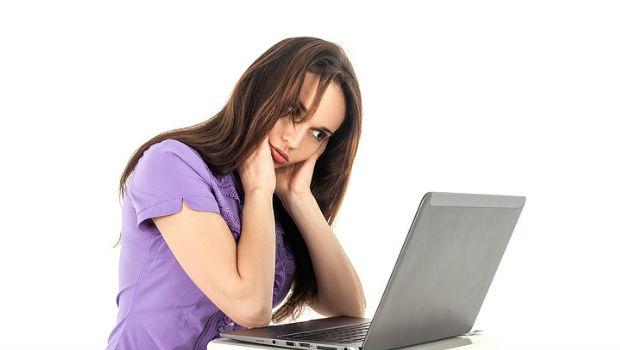 ¿Cómo evitar las malas posturas en el trabajo de oficina?