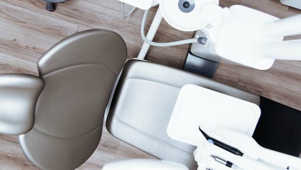 ¿Cuántas veces al año es necesario acudir al dentista?
